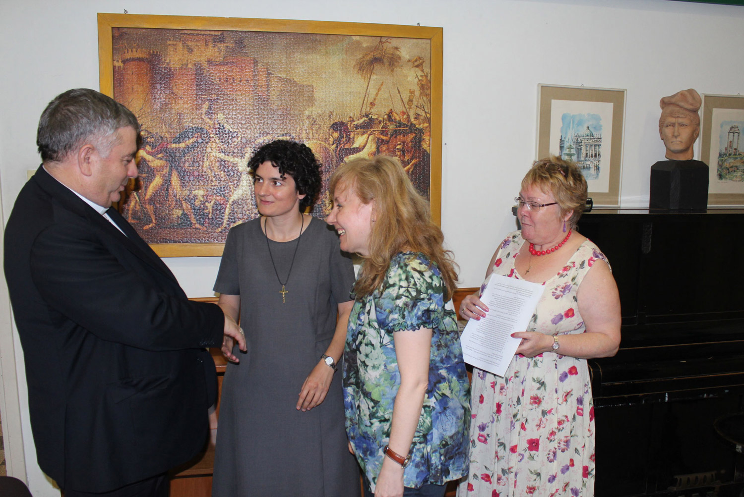 <b>Congress on Oblate Charism - Day 2 Rome</b><br>Archbishop Jose' Rodriguez Carballo OFM meets our women participants<br>Shanil Jayawardena OMI<br>July 1st, 2015