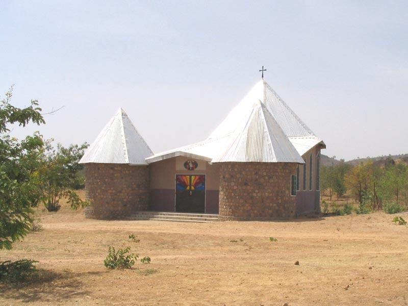 <b>OMI Prenoviciate Chapel</b><br>Mokolo-Cameroun. OMI Prenoviciate chapel. Dawn.<br>Fr. Mariusz Lorenc o.m.i.<br>January 1st, 1997