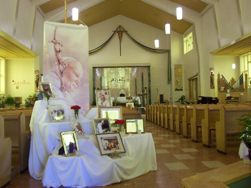 <b>Celebrating the life of John Paul II - 1</b><br>Our Lady of Perpetual Help Cathedral. Labrador City, NL.<br>Fr. Jarek Pachocki, OMI<br>April 5th, 2005